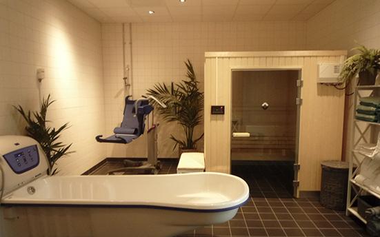 デンマークの老人ホームにある機械浴室